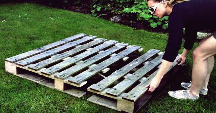 Kreative Ideen - DIY Strawberry Pallet Planter